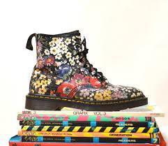 womens boots size 9 1 2 90s vintage dr martens floral print boots size 9 9 1 2