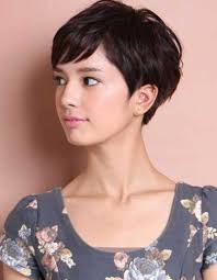 coupe femme cheveux courts best 25 coupes courtes ideas on coupe coiffures