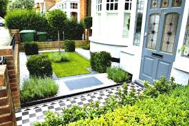 Patio Ideas For Small Gardens Front Yard Front Gardens An Inviting Yard Patio With Annuals