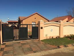 house for sale in vosloorus ext 31 3 bedroom 13387758 12 11