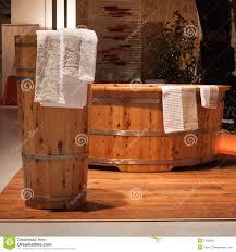 vasche da bagno legno vasca da bagno di legno al festival di olis a italia