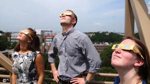 How To Go Blind Can You Really Go Blind Staring At A Solar Eclipse Cnn