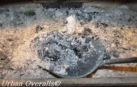 Ash Can For Fireplace by How To Safely Dispose Of Fireplace Ash U2022 Urban Overalls