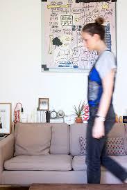 étagère derrière canapé idée déco une étagère derrière le canapé http insidecloset