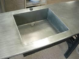 evier cuisine gris anthracite cuisine en zinc plan de travail en zinc avec évier en zinc