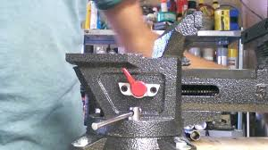 husky 5 inch quick release vise demonstration youtube