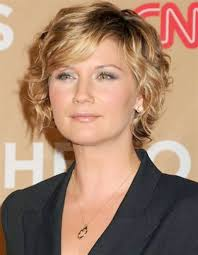 short curly hairstyles for thin hair thin hair curly hairstyles
