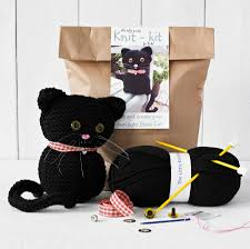 knit your own cat kit by yarn needles and thread