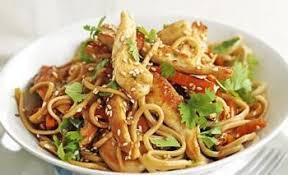 recette cuisine asiatique wok de poulet aux nouilles chinoise recettes de cuisine chinoise