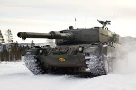 modern army vehicles norwegian leopard 2a4 tank during winter maneuvers modern fighting