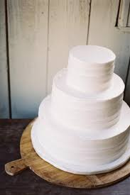wedding cake simple 14 minimalist white wedding cake styles the bohemian wedding