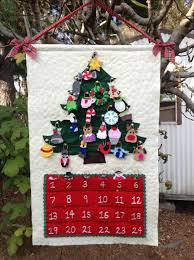 hand crafted custom quilted christmas advent calendar wall hanging