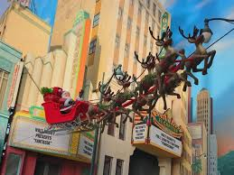 How Long Does Disney Keep Christmas Decorations Up - christmas at disneyland disneyland holiday events