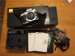 nikon df silver mint in box only 1650 clicks for sale and