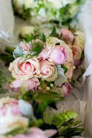 wedding flowers kildare 32 stunning summer wedding bouquets for brides weddingsonline
