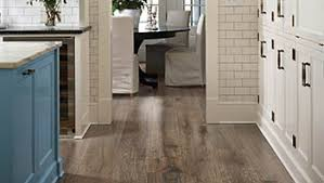 Laminate Wood Floors In Kitchen - how to choose hardwood or laminate flooring types pergo flooring