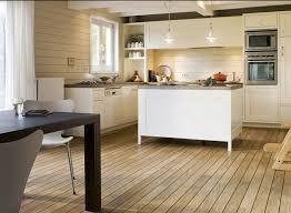 cuisine et parquet parquet dans cuisine parquet dans une cuisine quel type de bois