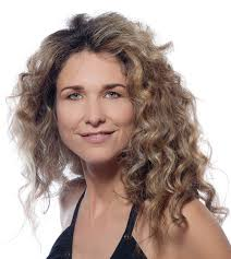 hairstyles for women over 40 wavy medium oval face 20 simple curly hairstyles for women over 40