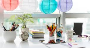 Things To Keep On Office Desk 9 Things You Should Always Keep On Your Office Desk Read Health