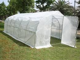 serre tunelle de jardin mer enn 25 bra ideer om serre de jardin tunnel på