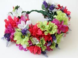 How To Make Floral Arrangements Step By Step How To Make A Floral Head Wreath How Tos Diy