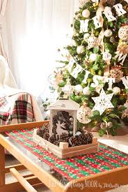 Lantern Centerpiece Diy Rustic Christmas Lantern Centerpiece The Crafting Nook By