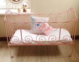 fer forgé chambre coucher petit lit bebe en fer forge vintage chambre denfant fillette
