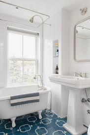 Beach Cottage Bathroom 40 Chic Beach House Interior Design Ideas Loombrand