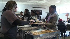 restaurant steps up to provide thanksgiving dinner for those in