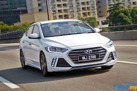 hyundai elantra review 2017 hyundai elantra a worthy alternative reviews