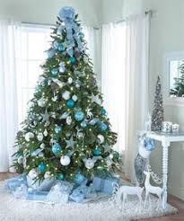 Blue Christmas Decorations Pictures by How To Criss Cross Ribbons On A Christmas Tree Red Green
