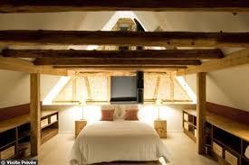 chambre poutre apparente chambre avec poutres apparentes côté maison