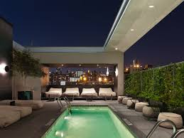 Hip Manhattan Hotels Pod 51 A Toast To The High Life 15 Nyc Rooftop Bars
