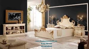 set kamar minimalis mewah terbuat dari bahan kayu mahoni dengan