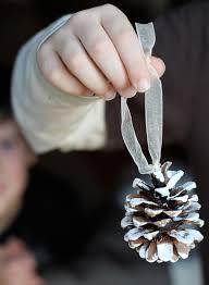 flutter flutter pinecone ornament diy