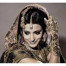 Arabische Hochsteckfrisurenen Hochzeit by Muslimische Frauen Tragen Diesen Schöne Brautfrisuren