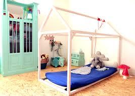 sol chambre bébé lit montessori quel age lavabo montessori vasp