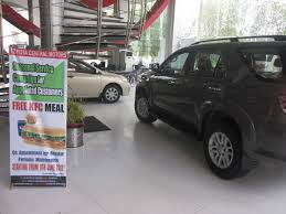 largest toyota dealer toyota society motors pakistan u0027s largest toyota 3 u0027s dealership