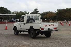 toyota trucks sa file ghana police toyota land cruiser j70 pickup jpg wikimedia