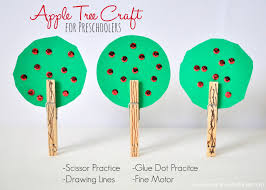 apple tree craft for preschoolers tree crafts apple tree and apples