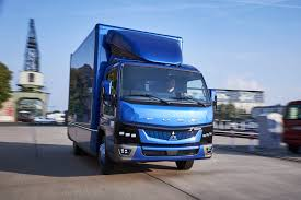 mitsubishi fuso box truck daimler u0027s new fuso ecanter electric truck to be sold in us europe