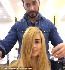 hair salons for crossdressers in chicago hair salon dyes a woman s locks brunette using nutella and
