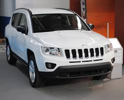 jeep compass white file jeep compass 2012 ifevi jpg wikimedia commons