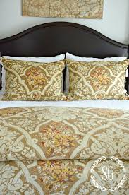 Designer Bedspreads And Comforters How To Layer Luxury Bedding Like A Designer Luxury Linens Magazine
