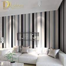 tv dans chambre moderne noir et blanc gris rayures verticales fond d écran tv