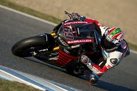 superbike honda nicky hayden tests new world superbike spec honda cbr1000rr