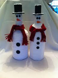 yarn covered recycled liquor bottle snowman por jsstringdesigns