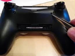 ps4 won t turn on white light ps4 what is this hole for in the controller arqade