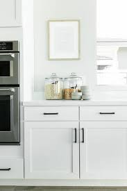 white kitchen cabinet handles and knobs rubbed bronze kitchen cabinet hardware design ideas