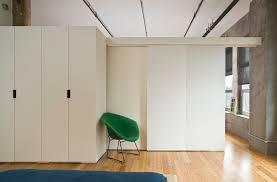 diviser une chambre en deux avec quelle porte séparer une grande pièce